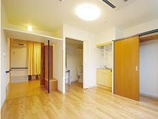 居室にはクローゼット、エアコン、トイレが完備