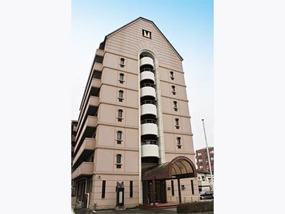 8階建ての建物