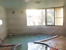 くつろげる広い浴場
