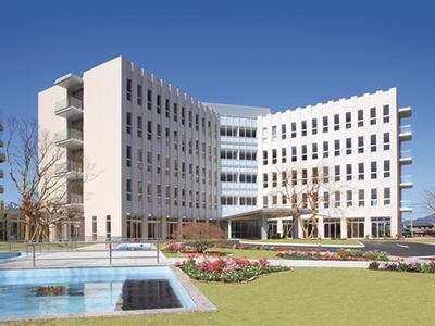 隣接するのは、運営母体となるベッド数630床の桜十字病院
