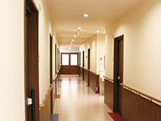 部屋は個室でプライベートも守られます