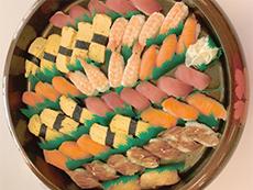 おいしいと評判の食事は、年中行事に合わせて季節感が盛り込まれる