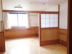 居室は2人でも十分の広さ