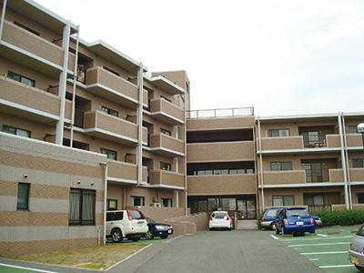 1階には内科と薬局もあって安心。近隣の買い物や交通の利便性も抜群です