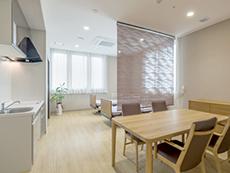高齢者に優しい設計の居室(個室、2人部屋など3タイプ)