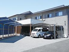 隣接の住宅型有料老人ホーム「湧水の郷 壱番館」