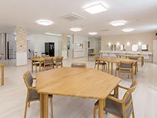1階には各種イベントにも対応できる広いホールを設置